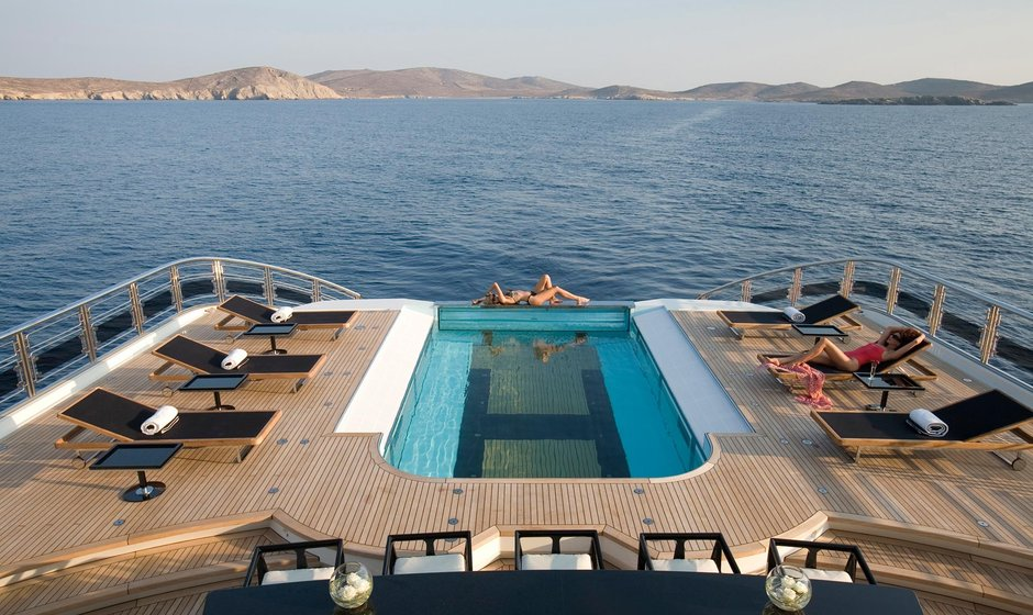 10 Top Charter Yachts With Swimming Pools