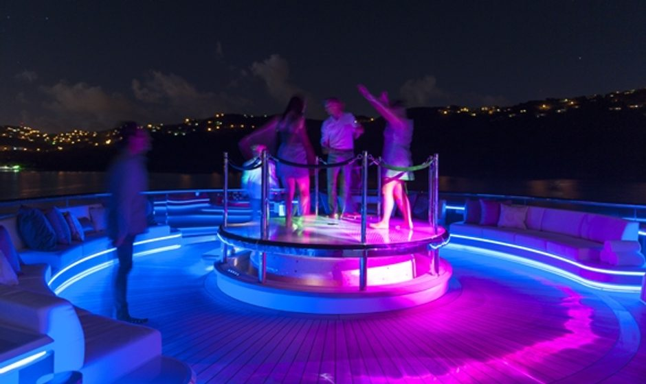 10 Top Party Yachts Available to Charter
