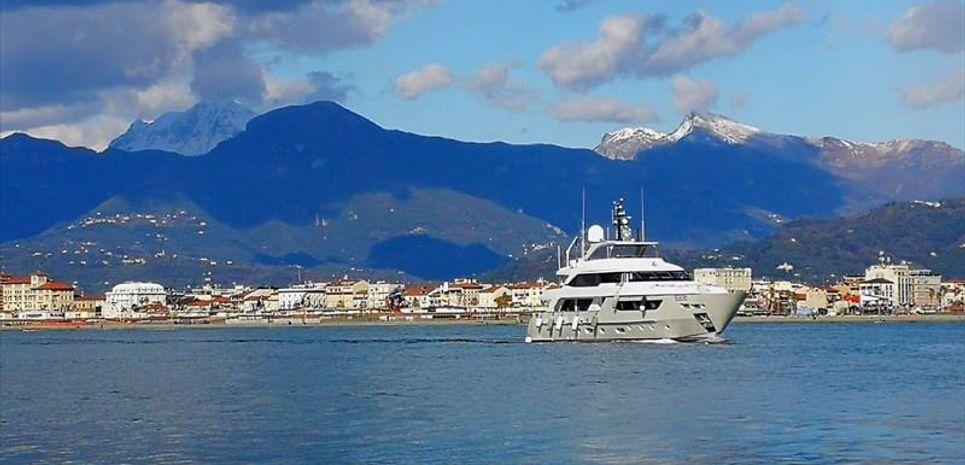 Sosa Charter Yacht