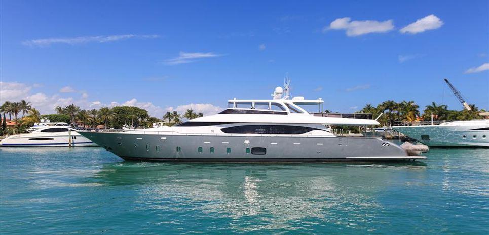 Vita XL Charter Yacht