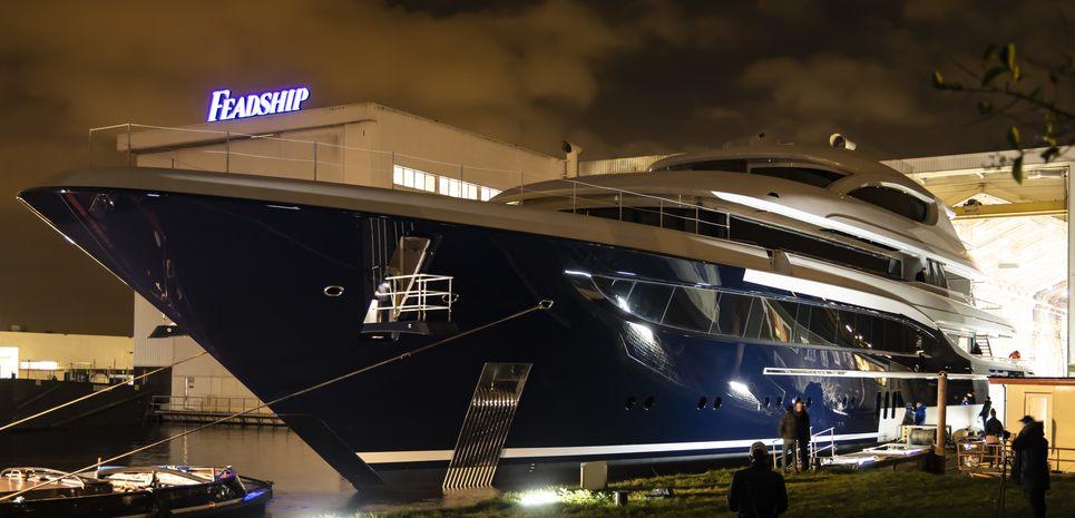 Podium Charter Yacht