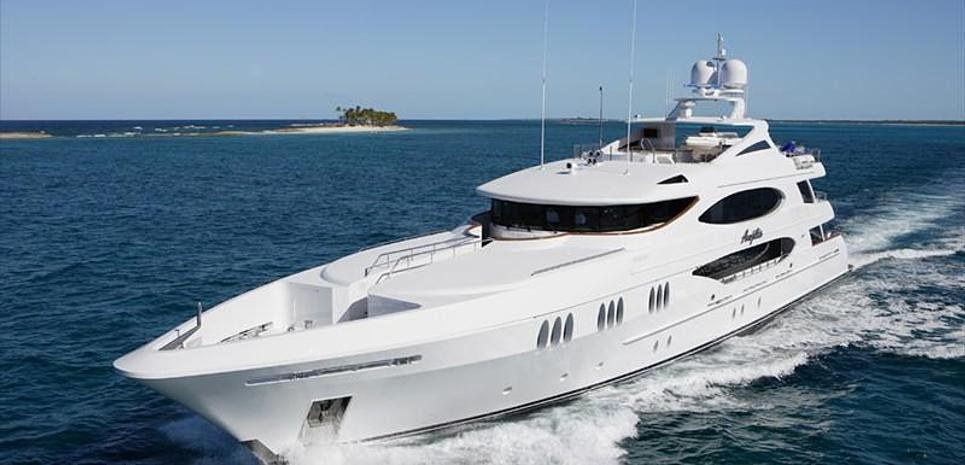 Reef Chief Charter Yacht