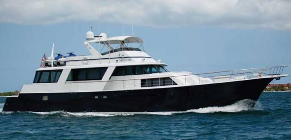 Dramaless Charter Yacht