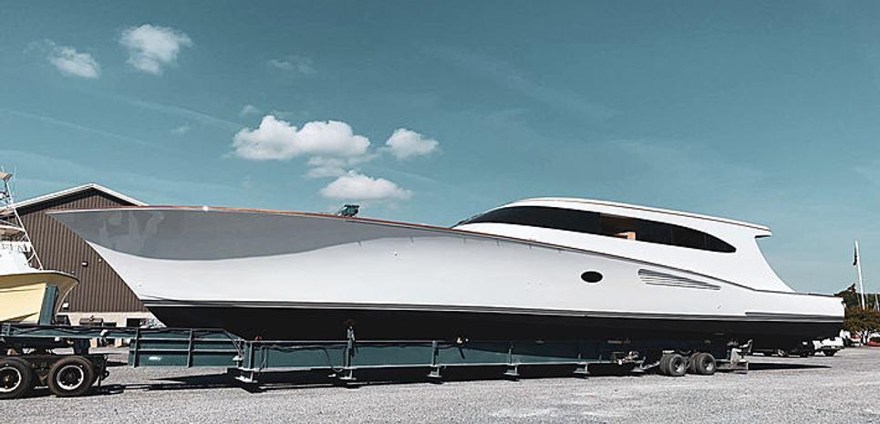 18 Reeler Charter Yacht