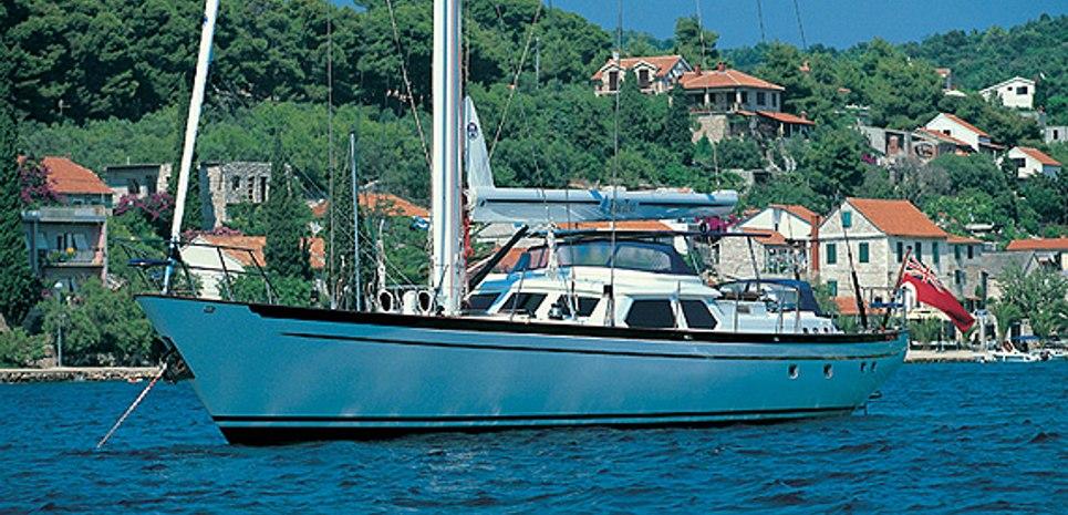 Wavelength Charter Yacht