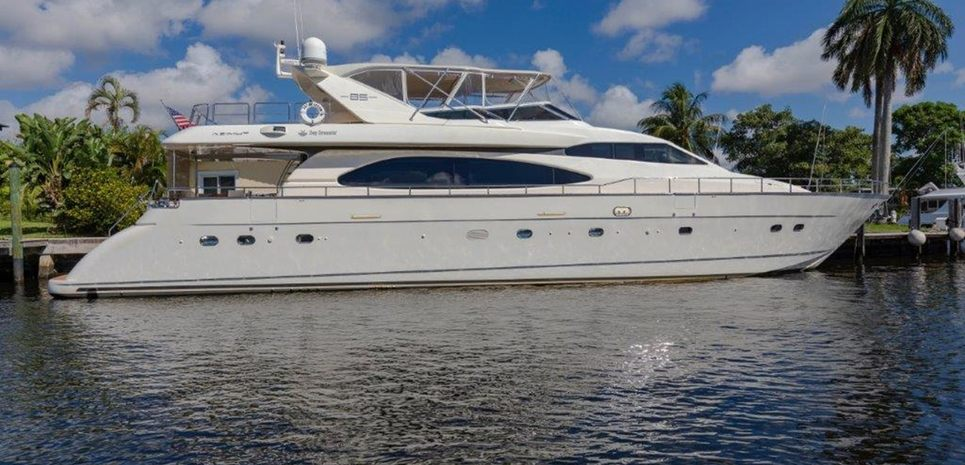 Day Dreamin' Charter Yacht