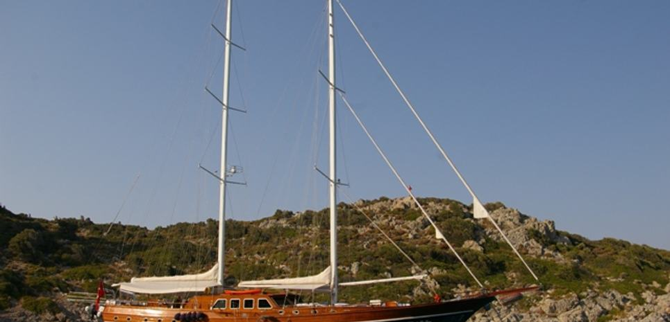 Bedia Sultan Charter Yacht
