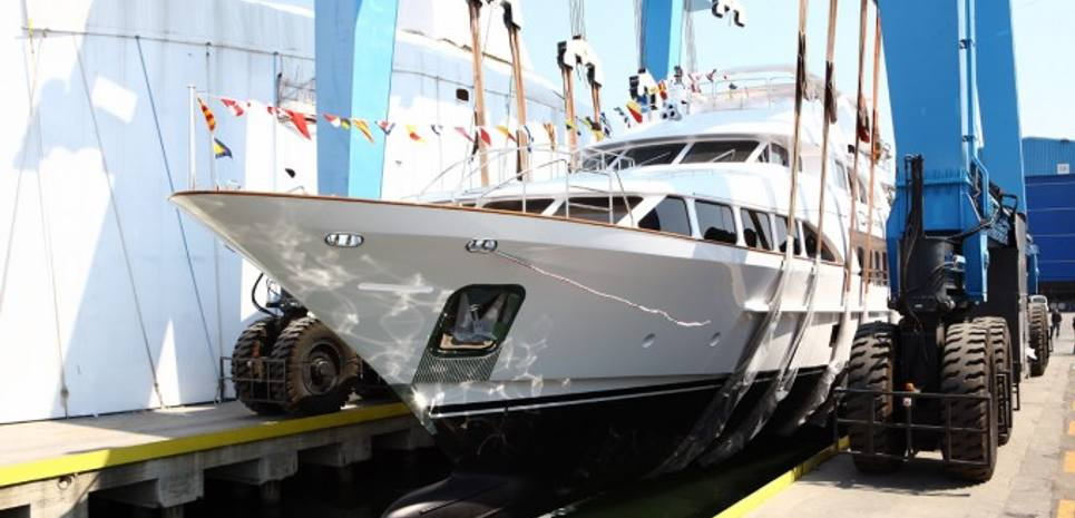 Battal Charter Yacht