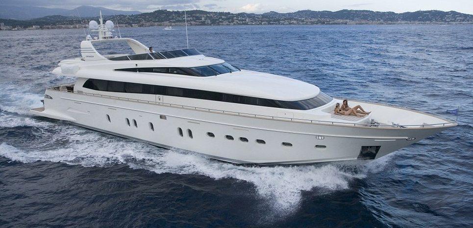 Bertona Tres Charter Yacht