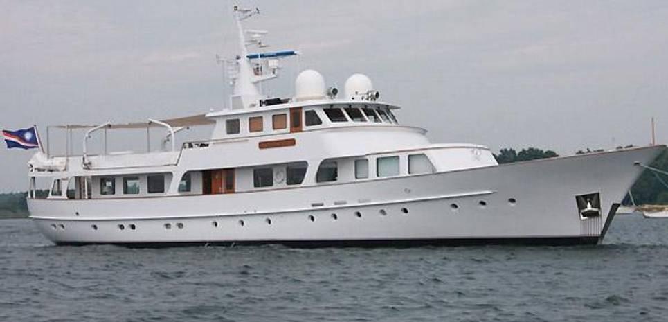 Avante V Charter Yacht
