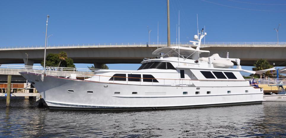 Tres Hermanos VI Charter Yacht
