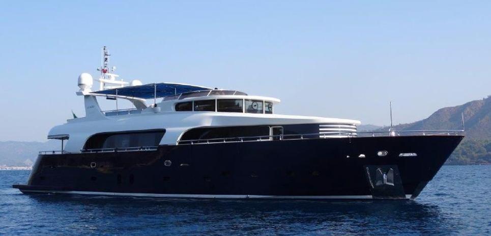 Le Pacha Charter Yacht