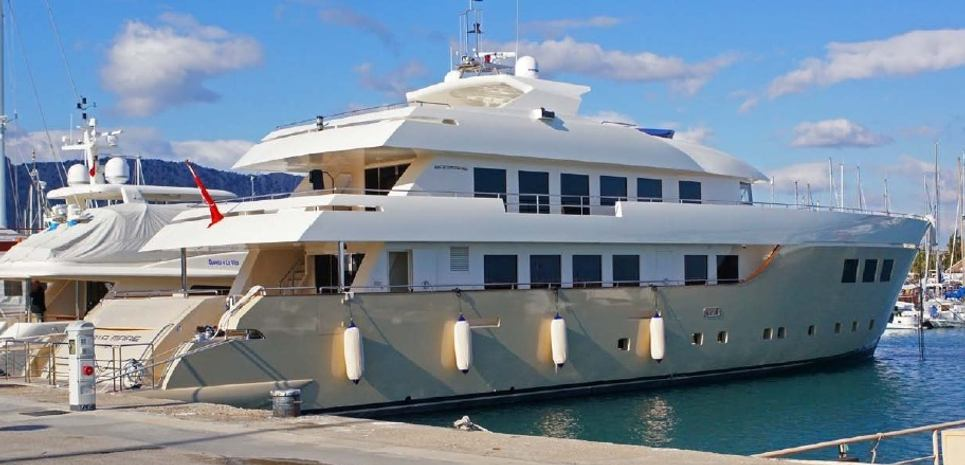 Baiamare Charter Yacht