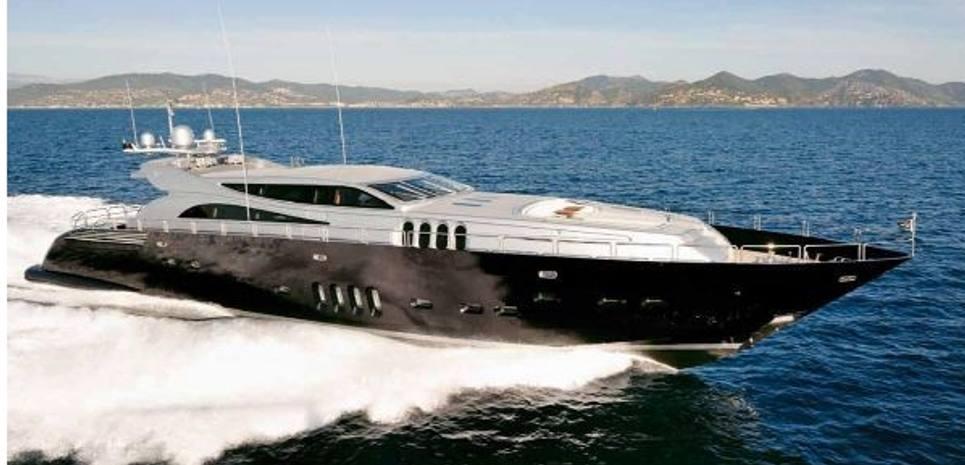 J & Li Charter Yacht