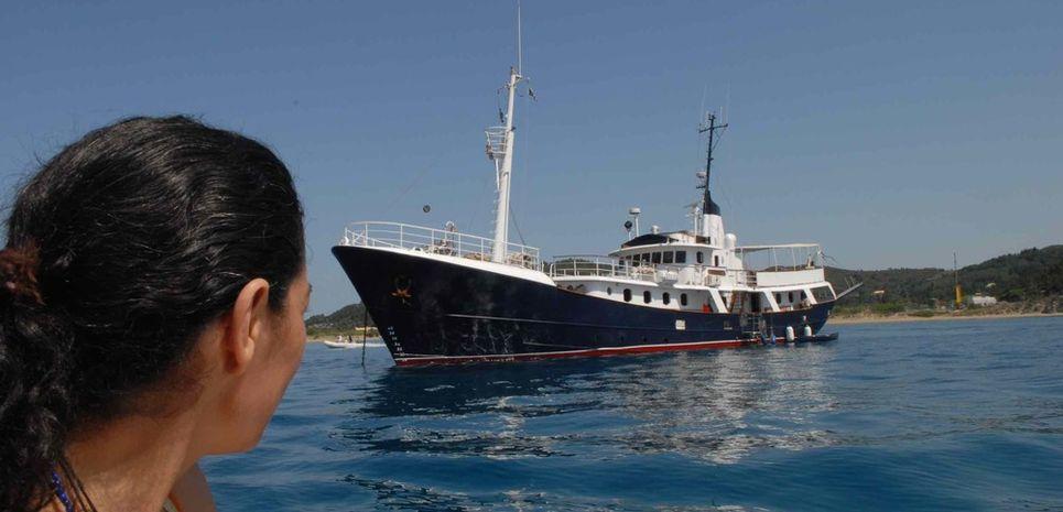 Drenec Charter Yacht