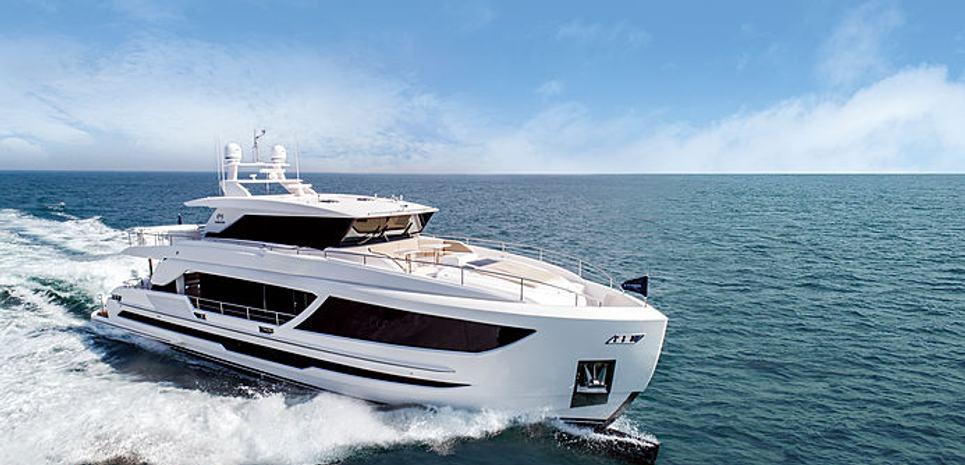 Horizon FD87/11 Charter Yacht