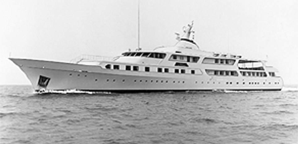 Al Riyadh Charter Yacht