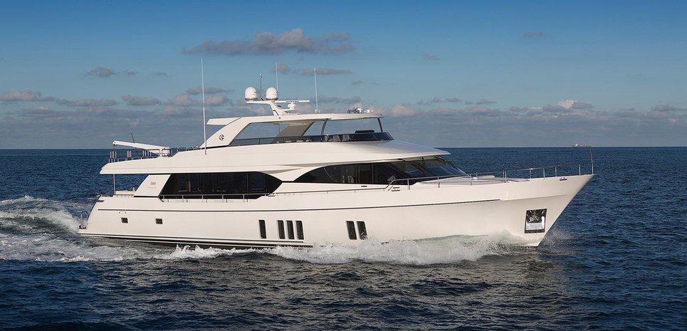 Ocean Alexander 100 Charter Yacht