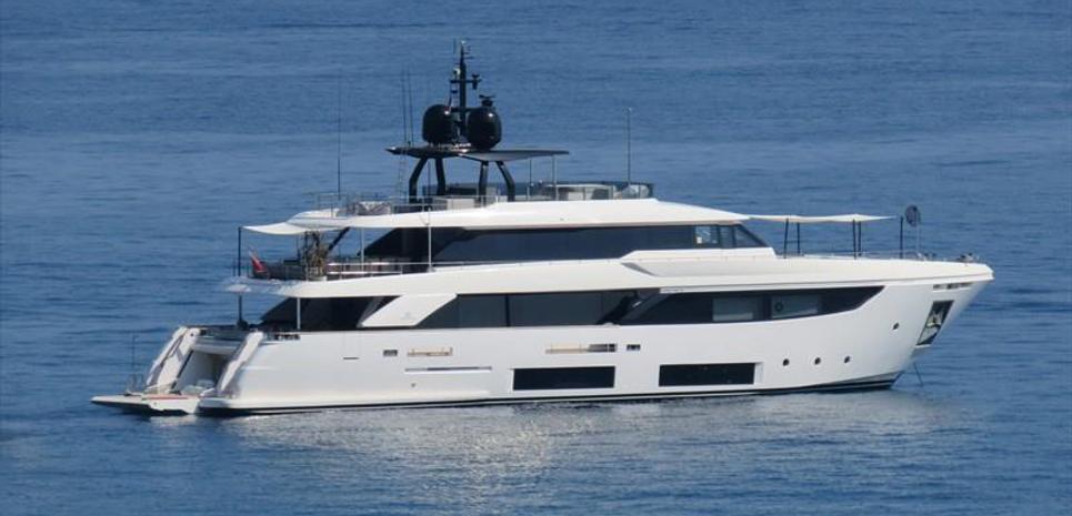 4 Leon Charter Yacht