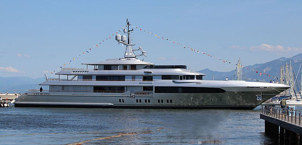 Regina d'Italia Charter Yacht