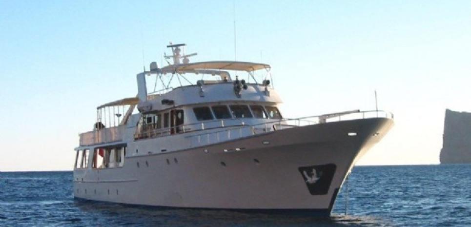 Truk Master Charter Yacht