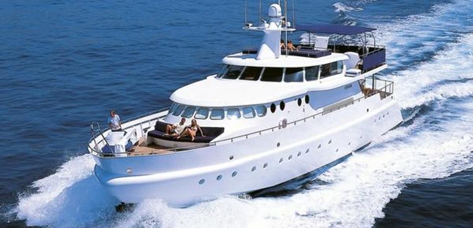 Cohete Charter Yacht