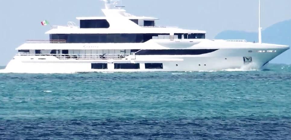 Surpina Charter Yacht