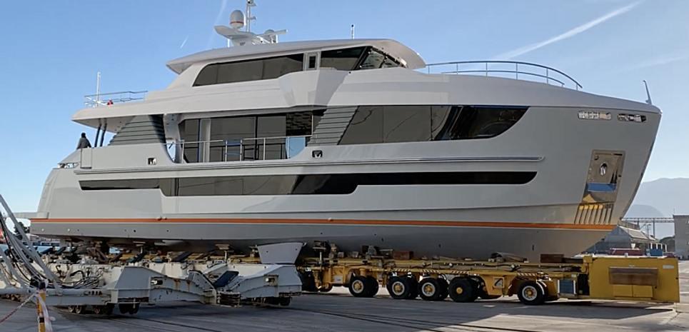 G-G Charter Yacht