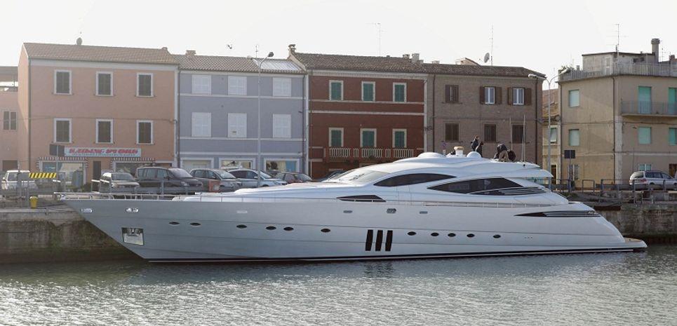 Kuikila Charter Yacht