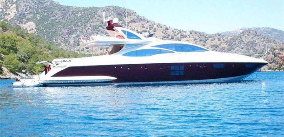 Shu She Charter Yacht