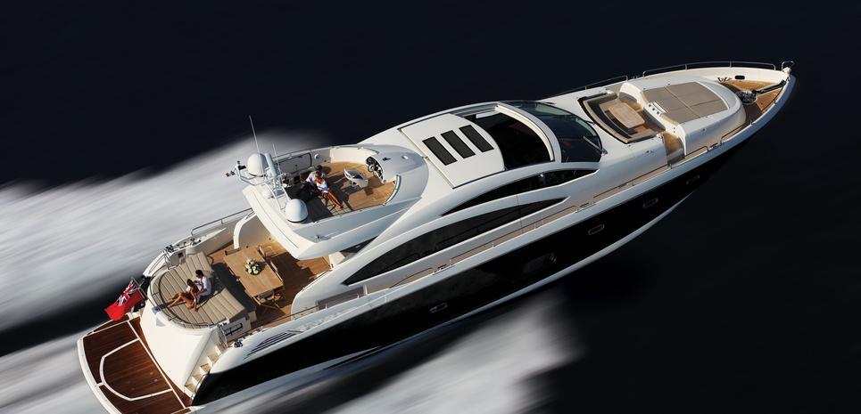 UM6 Charter Yacht