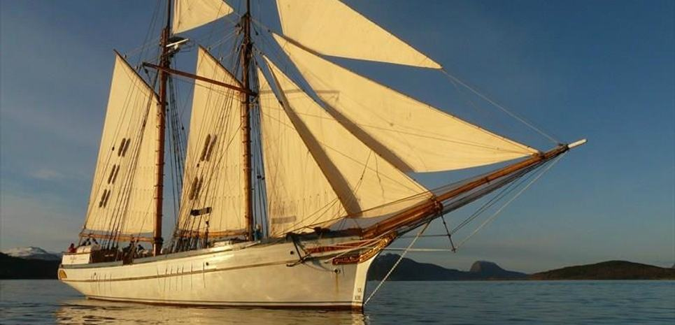 Anna Rogde Charter Yacht