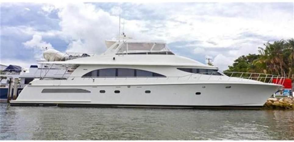 Yoly Charter Yacht