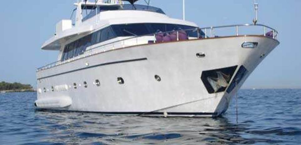 Temptation IV Charter Yacht