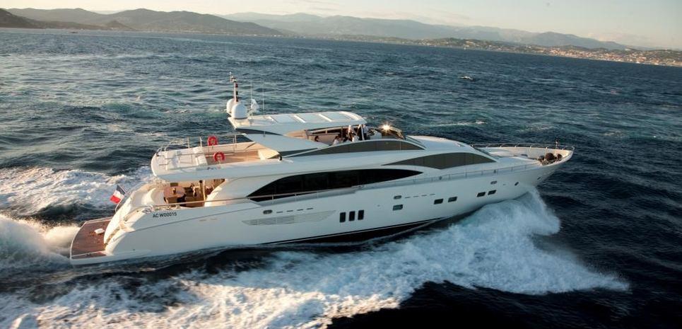 Wave Charter Yacht