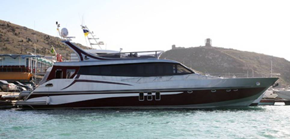 Just She Charter Yacht