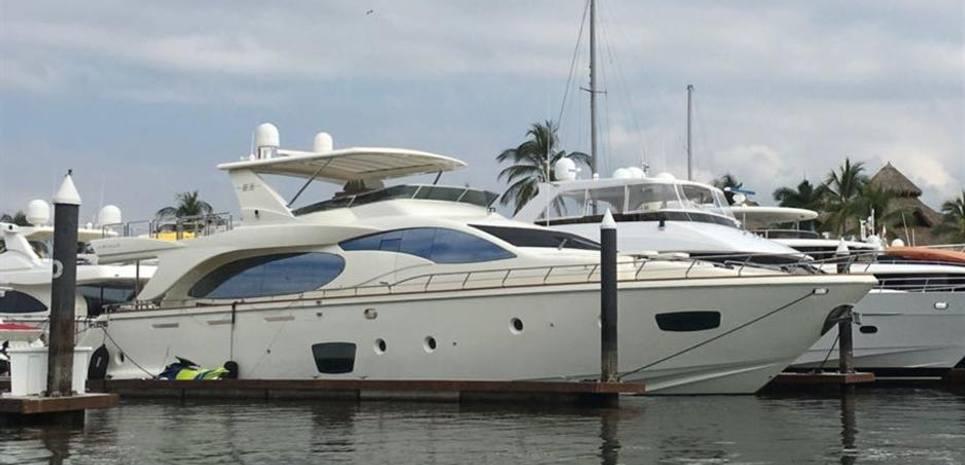 Azimut 85Fly Charter Yacht