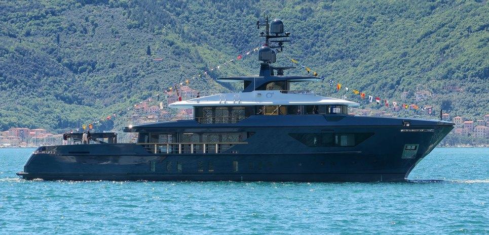 Ocean's Four Charter Yacht