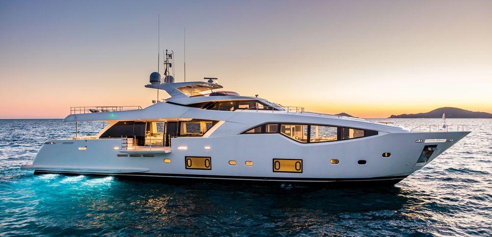 Chitochi Charter Yacht