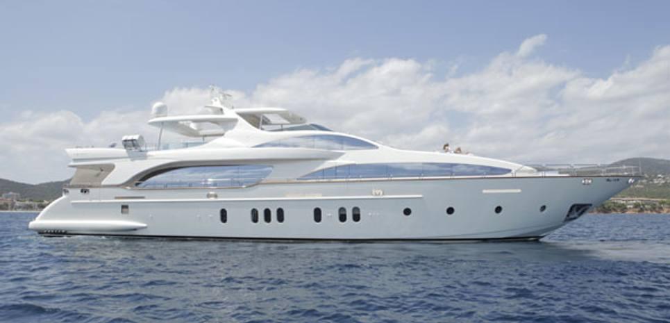 Activa Club Charter Yacht