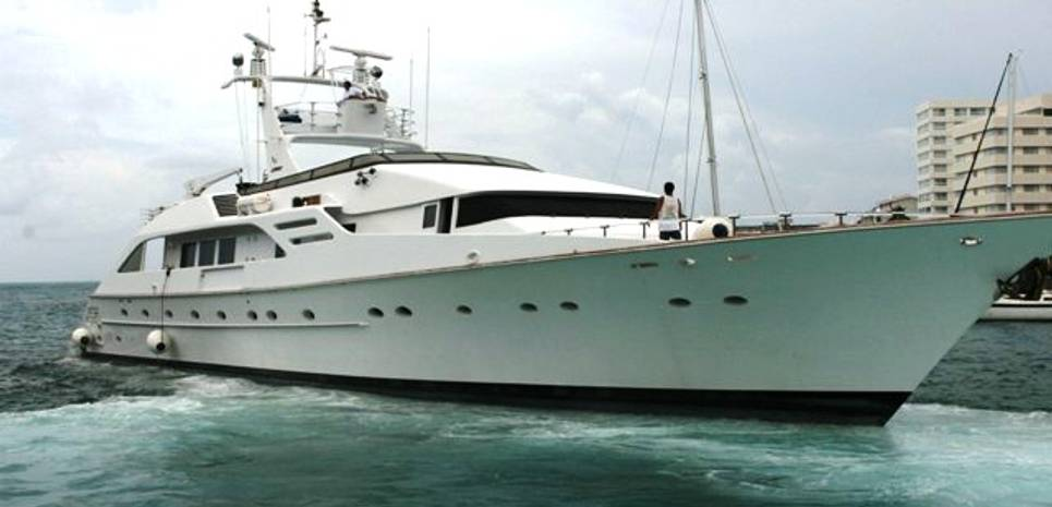 Time Charter Yacht