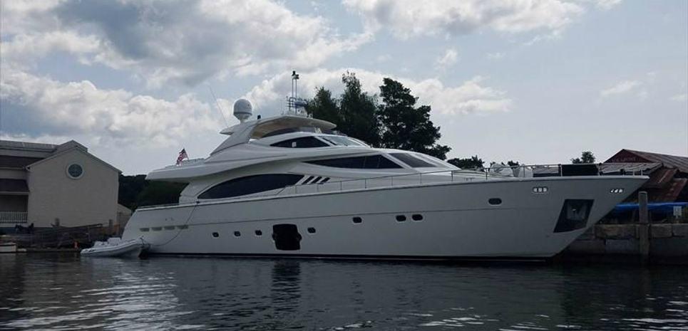 Dot Calm Charter Yacht