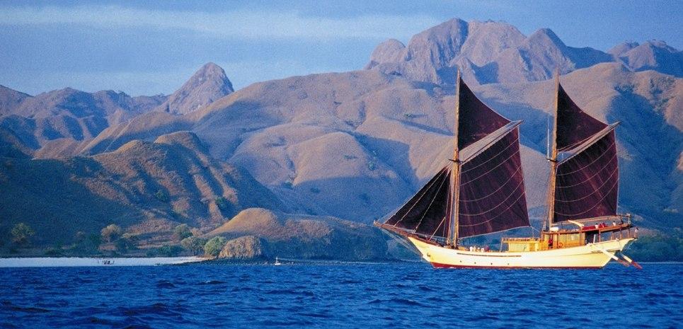 Silolona Charter Yacht