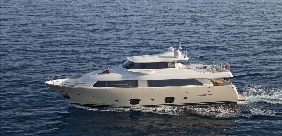 La Pausa Charter Yacht