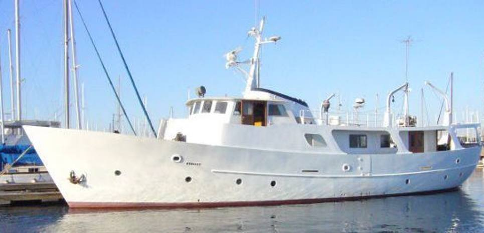 Island Waters Charter Yacht