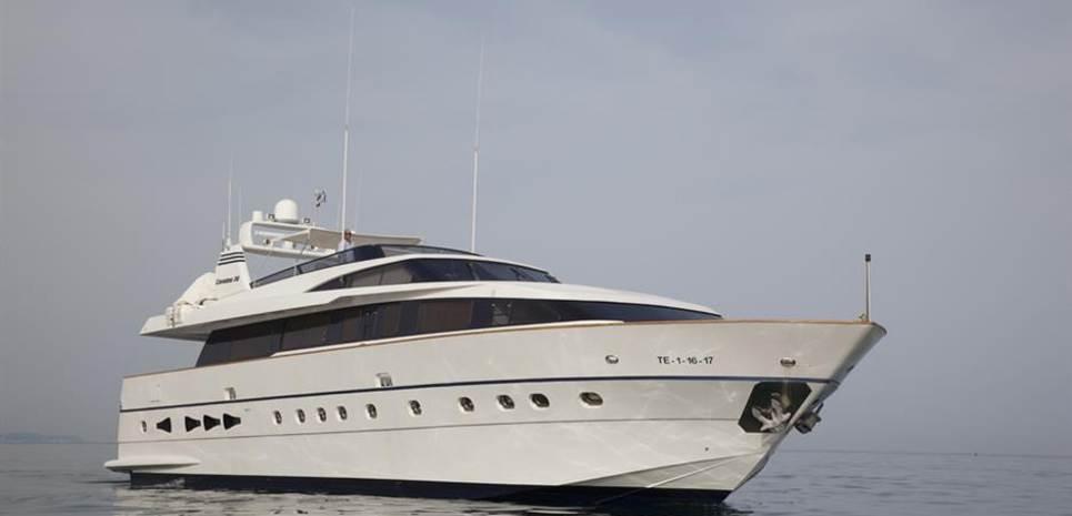B Ocean Charter Yacht