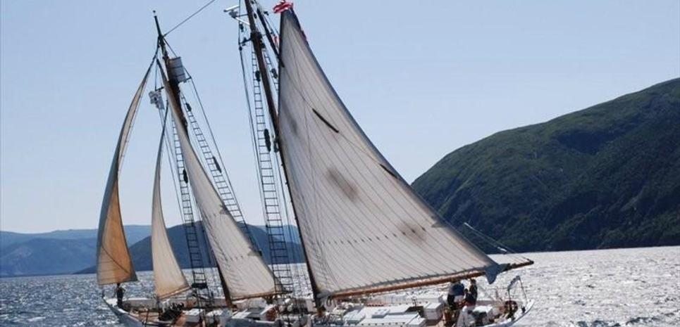 Bowdoin Charter Yacht