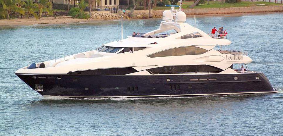 G5 Charter Yacht