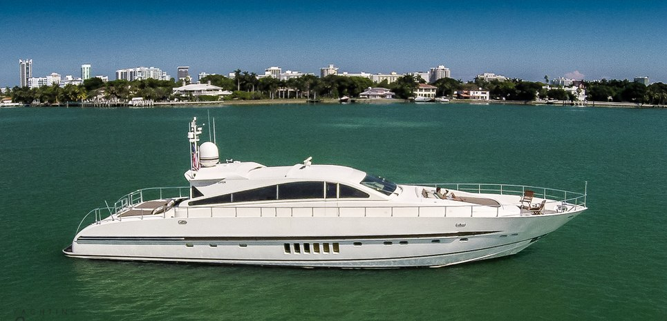 ecj luxe yacht photos 27m luxury motor yacht for charter. Black Bedroom Furniture Sets. Home Design Ideas