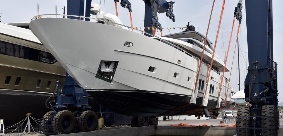 B&B Charter Yacht